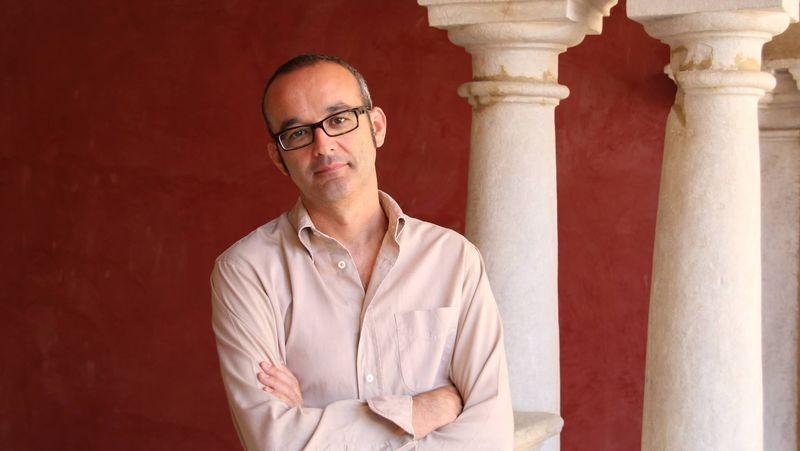 Juan Carlos Abril-Vuela Palabra